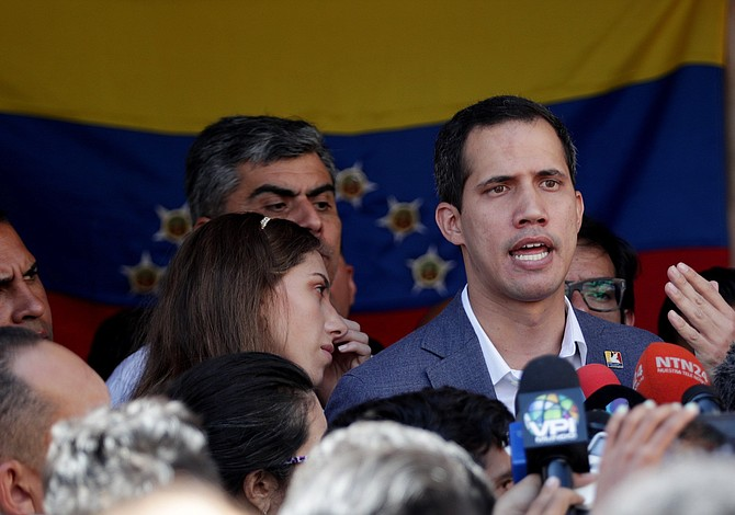 Piden a Juan Guaidó interceder por estatus migratorio de venezolanos en EE.UU.