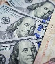 """SOLUCIÓN. La crisis de PDVSA puede mejorar si hay una nueva gerencia que aparte la política y se centre en producir petróleo, dijo Guerra, quien además aclaró que se necesita inversión privada nacional o extranjera. """"PDVSA no puede invertir con flujos de caja negativo"""", sentenció."""