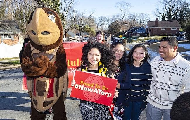 Latina. Rocío Mayorga de Hyattsville estudia en el colegio Eleanor Rossevelt y fue sorprendida por la Universidad de Maryland.