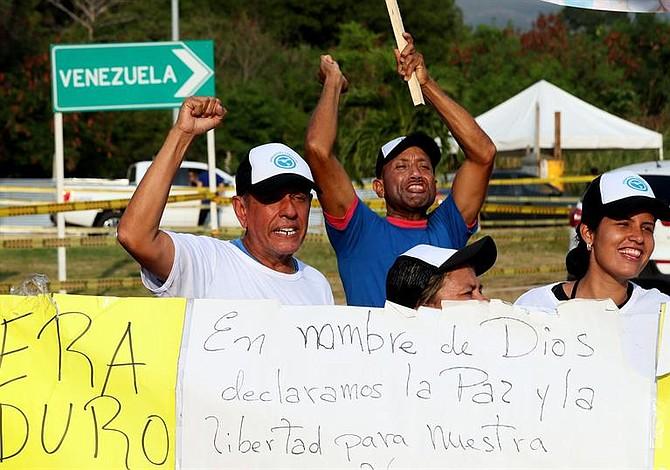 Venezolanos colman las calles para solicitar el ingreso de la ayuda humanitaria este #12Feb