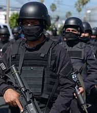 AGENTES. El plan de gobierno de Bukele propone dotar de tecnología avanzada a los cuerpos de seguridad y un aumento de 40% en el sueldo.