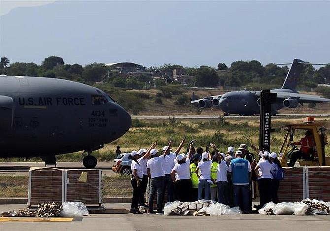 Colombia y Estados Unidos se preparan para ingresar la ayuda humanitaria a Venezuela [FOTOS]