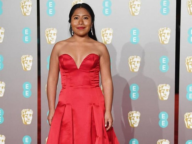 SHOW. La actriz mexicana Yalitza Aparicio asiste a la 72ª edición de los Premios del Cine de la Academia Británica en el Royal Albert Hall de Londres
