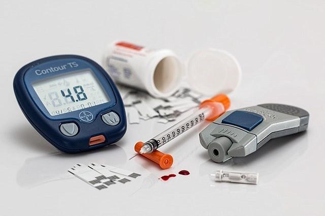 Estadounidenses cruzan a México para comprar insulina a mitad de precio