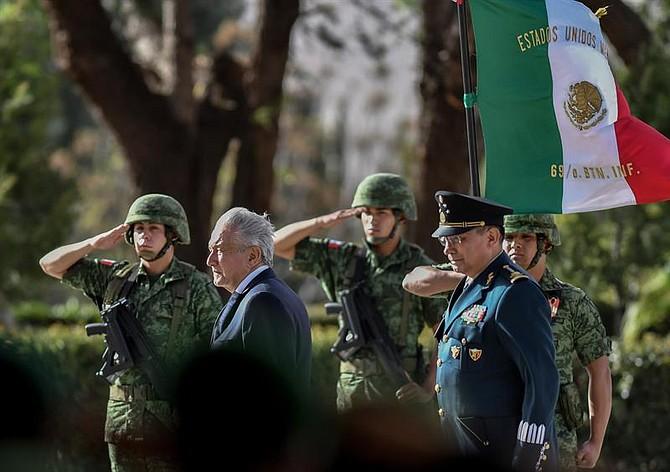 EJÉRCITO. El mandatario mexicano destacó los buenos resultados contra la delincuencia en zonas de Coahuila gracias a operativos coordinados entre las corporaciones y el Ejército que ahora se pretende replicar en todo el país con la Guardia Nacional.
