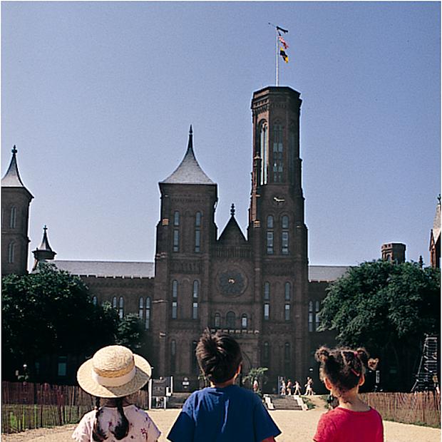 TALLERES. Algunos de los campamentos de verano del Smithsonian ofrecen talleres de pintura, fotografía e historia y como telón de fondo sus instalaciones.