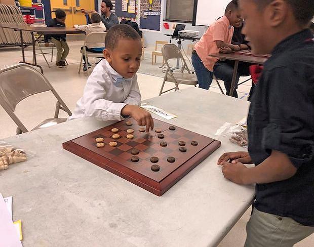 ENTRETENIMIENTO. Juegos de entrenamiento de la memoria se realizan en la gran oferta que ofrecen las diferentes instalaciones de verano de YMCA.