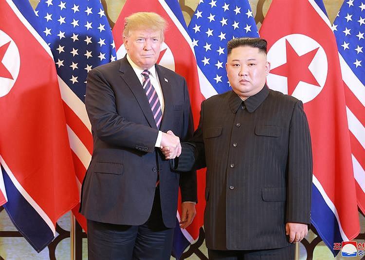 Internacionales: Corea del Norte reconstruye sitio de lanzamiento de cohetes, según expertos