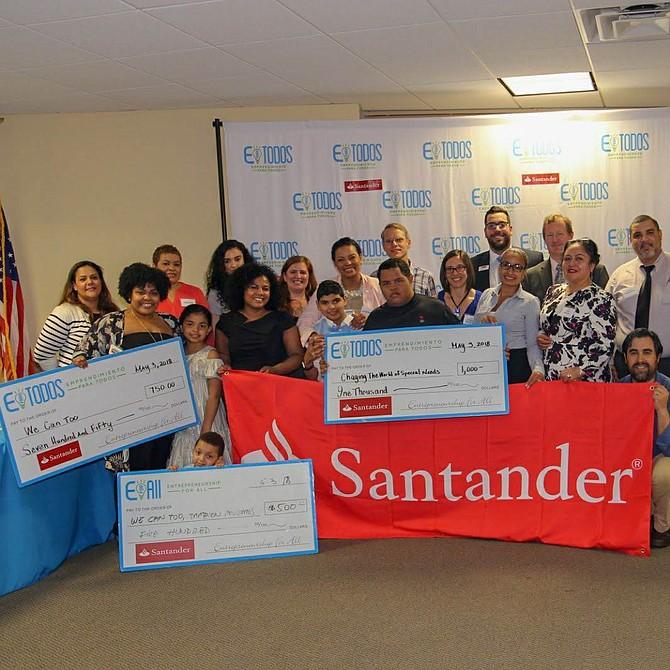 Ganadores del programa Lanza Tu Idea, en colaboración con Santander Bank