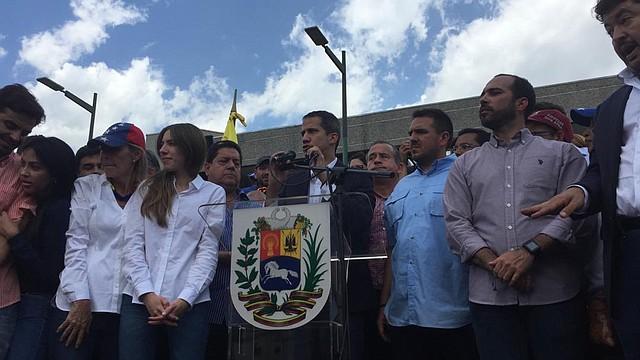 Juan Guaidó vuelve a Venezuela.