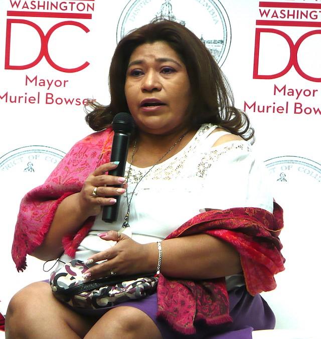 INMIGRANTE. Soledad Miranda, defensora del TPS relató casi entre lágrimas, lo difícil que es vivir y cuidar de una familia en la incertidumbre.