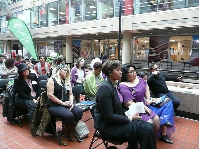 FORTALEZAS. Asistentes al foro por el Día Internacional de la Mujer, durante el cual se expusieron las fortalezas que las latinas aportan a DC y las barreras que enfrentan.