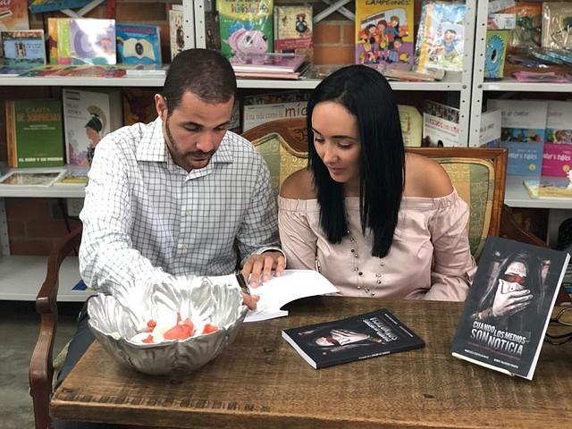 """Daniel Palacios y Marisela Castillo, autores de """"Cuando los medios son noticia"""""""