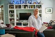 """Después de contabilizar los pagos de su aseguradora, Jeannette Parker tuvo que pagar $4,191. """"Mi funeral hubiera sido más barato"""", dijo."""
