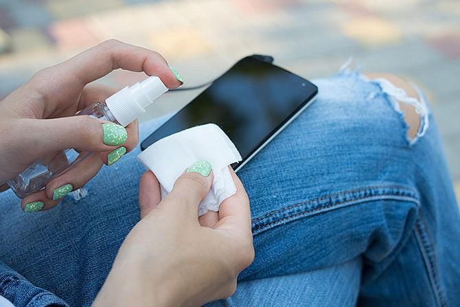 Teléfonos móviles son más sucios que un inodoro