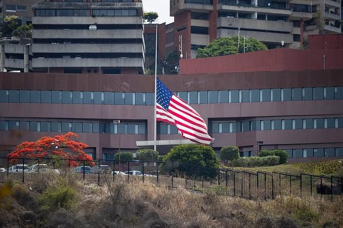 RETIRO. La medida se adoptó luego de que el pasado martes, el secretario de Estado, Mike Pompeo informara que EEUU retiraba a todo su personal diplomático en Caracas al intensificarse el deterioro de la crisis en el país.