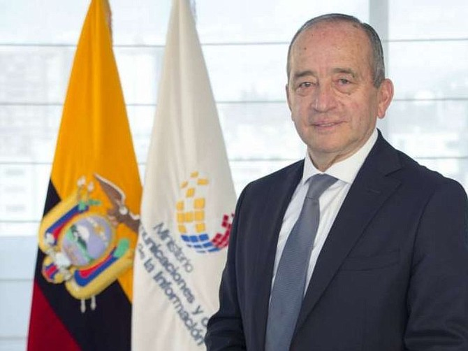 ECUADOR. Ministro de Telecomunicaciones, Guillermo León