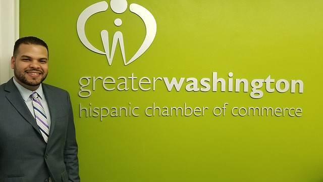 INVITACIÓN. David Díaz, director de membresías de la Greater Washington Hispanic Chamber of Commerce invita a toda la comunidad al Business Expo el viernes 29 de marzo.