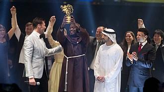 Peter Tachibi estuvo presente en la ceremonia del Global Teacher Prize. Era la primera vez que el maestro salía de su país y se montaba a un avión.
