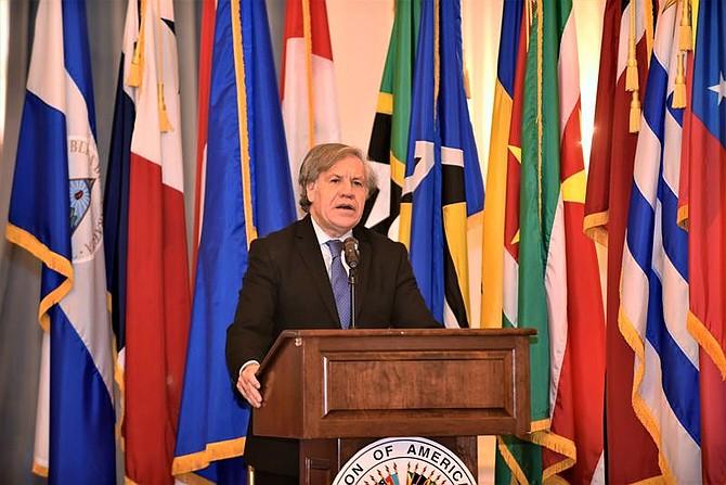 LATINOAMÉRICA. Fotografía cedida por la Organización de Estados Americanos (OEA) en la que aparece su secretario general, Luis Almagro