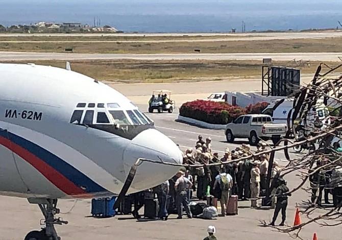 Dos aviones rusos con más de 90 militares llegan a Venezuela en medio de crisis política