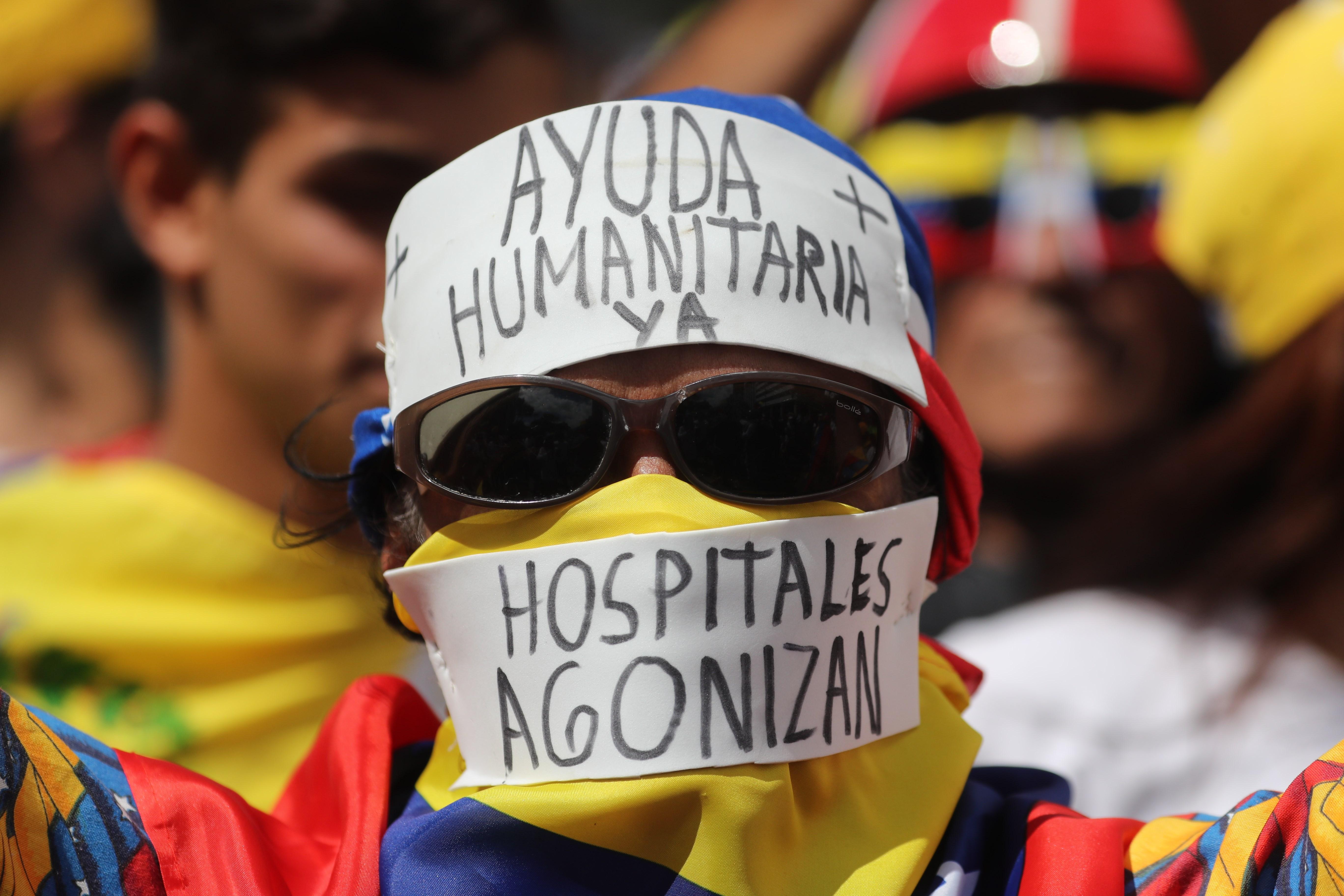 PROTESTA. Manifestantes en Caracas salieron a las calles el 23 de febrero para apoyar el ingreso de la ayuda humanitaria a Venezuela.