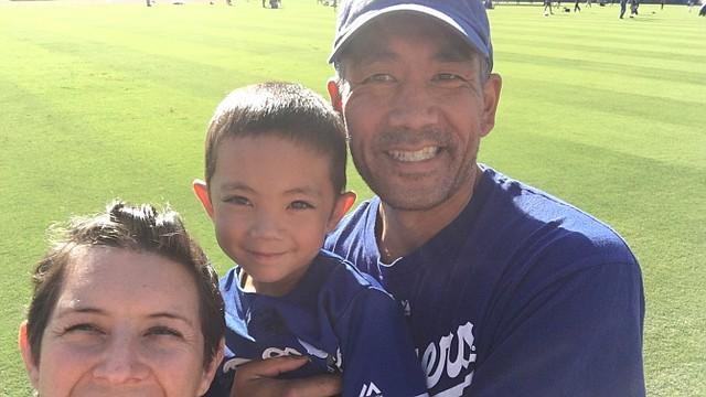Elyse y Robert Imamura con su hijo Amaru.