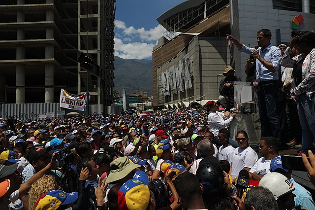 OPERACIÓN LIBERTAD. Juan Guaidó interviene en la concentración del sábado 6 de abril con miles de opositores en Caracas.
