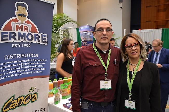 CONEXIONES. Juan Moreno y Adriana Arroyave, que dirigen una empresa de importación y distribución de jugos, destacaron el networking en el evento.