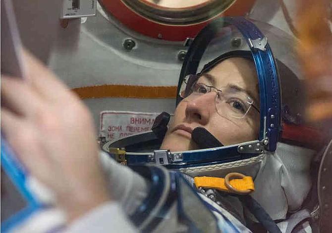 Mujer astronauta, cerca del récord al pasar 11 meses en el espacio