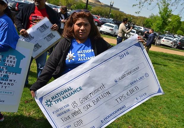 PÉRDIDA. Si los beneficiarios del TPS son deportados, el Gobierno dejaría de recaudar más de $4 mil millones en impuestos.