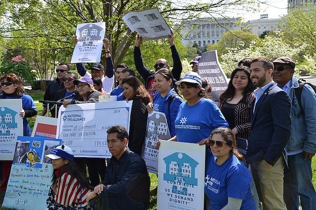 CONGRESO. Afuera del Capitolio se congregaron miembros de la Alianza Nacional TPS para presionar al Congreso a que actúe para proteger a los cobijados bajo este beneficio.