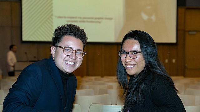 PROFESIONALES. Maynor Navarro y Giselle González, dos jóvenes que recibieron soporte financiero y académico de CollegeTracks y que ya se graduaron del college.