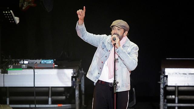 El cantante dominicano Juan Luis Guerra, durante el concierto ofrecido en marzo en el Carnaval de Santa Cruz de Tenerife.