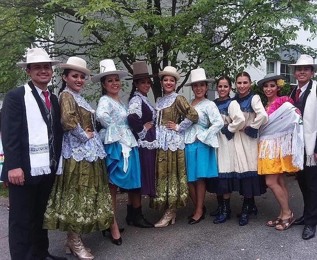 CUECAS. El ballet folclórico Edson Ontiveros ofreció cuecas de los nueve departamentos de Bolivia.