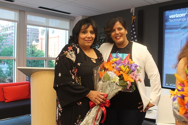 Washington, DC: Jóvenes exitosos agradecen a sus madres