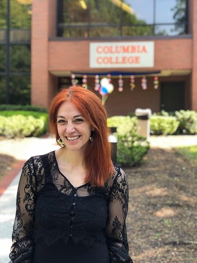 POLÍTICA. Carolina Cucumides estudia inglés en Columbia College en VA. Ella es ex gobernadora de una provincia en Chile.