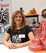 MOTIVACIÓN. Lola Jaramillo identificó la falta de un grupo de bailes tradicionales colombianos en el área de DC y fundó Cultural Dance Center.