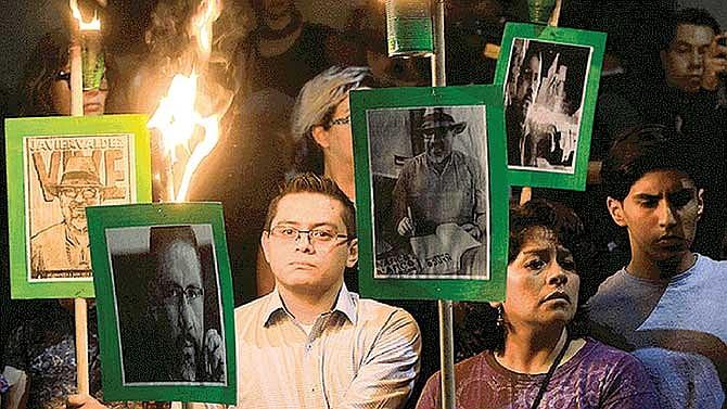 Periodistas mexicanos trabajan al filo de la muerte