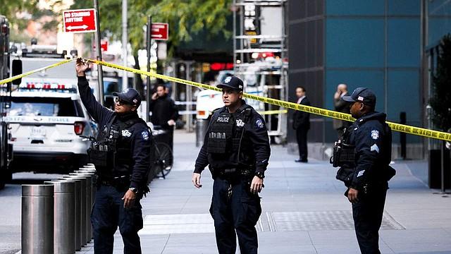 SUCESO. Las autoridades del condado de Fairfax investigan la misteriosa muerte de un hombre.
