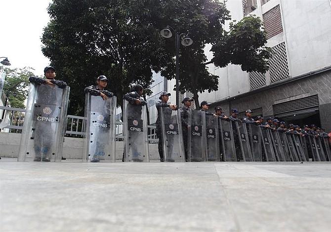 Régimen de Maduro impulsa detención a diputados de la Asamblea Nacional