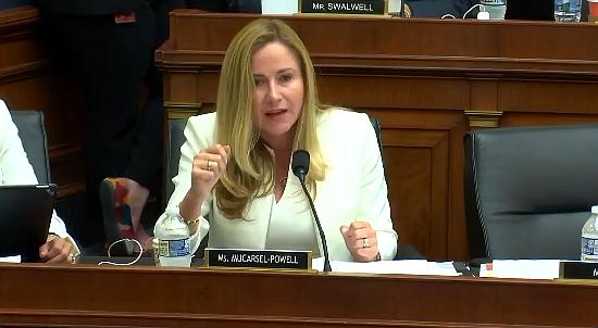 Congresista Mucarsel Powell propone aprobar un TPS para venezolanos