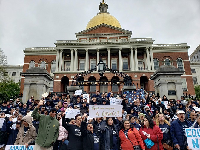 Manifestación de Massachusetts Parents United en la Casa de Estado el 14 de mayo de 2019