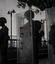 PERSECUCIÓN. Este miércoles 15 de mayo, el mayor de la Guardia Nacional, Leonardo César Malaguera Hernández, fue quien lideró la acción en contra de la prensa y bajo amenaza de prisión, ordenó a los periodistas desalojar una avenida donde había tránsito vehicular y peatonal, pero la prensa no podía ingresar.