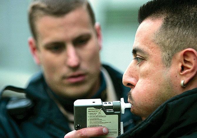 ICE endurece arrestos de inmigrantes  con antecedentes de DUI