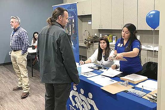 Ayuda. Los jueces penalistas del condado aprobaron la creación de un despacho que manejaría el 30% de casos de adultos acusados cuyos ingresos sean bajos.