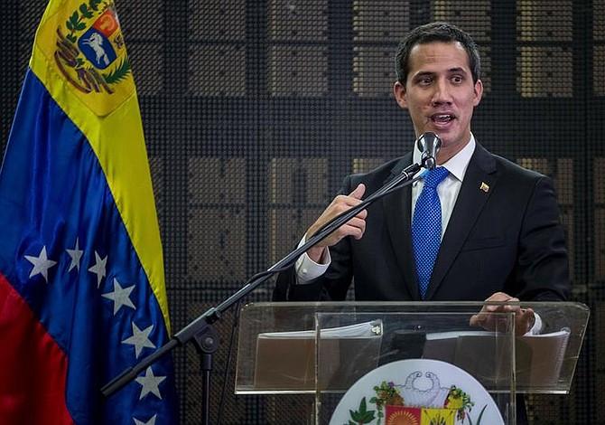 """Venezuela   Juan Guaidó confirma liberación de Iván Simonovis como parte de la """"Operación Libertad"""""""