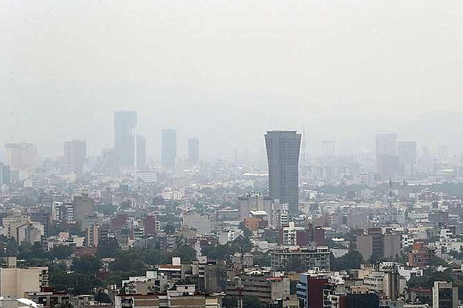 EN CIUDAD DE MEXICO: Piden no salir a la calle por contaminación ambiental