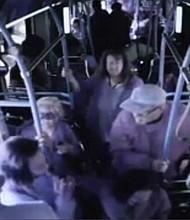 SUCESO. Las cámaras de seguridad captaron la agresión.