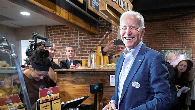 ASPIRACIÓN. El exvicepresidente de 76 años ha tomado la delantera en las atestadas primarias demócratas.